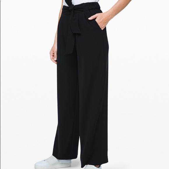 Lululemon Noir Pant